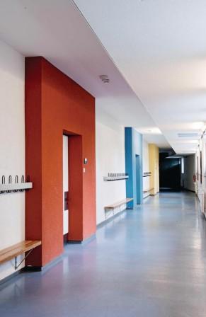 die grundschule friedrichshafen fischbach ist ein besonderes beispiel f r die architektur der. Black Bedroom Furniture Sets. Home Design Ideas