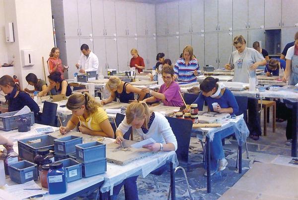 Raumgestaltung studium  Die Uni in Wuppertal bietet den Studiengang Farbtechnik ...