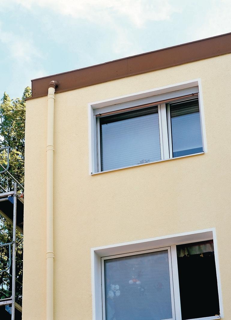 Vorher, Nachher: Diese Fassade Wurde Mit Brillux Silikat Fassadenfarbe HP  1801 Saniert. U201eHPu201c Steht Dabei Für Hybrid Protect, Einem Biozidfreien  System Für ...