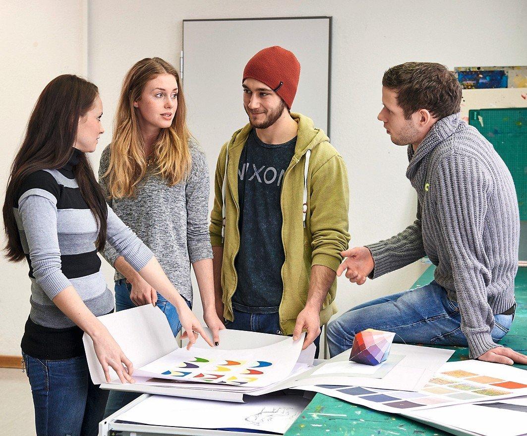 die akademie f r gestaltung und design in m nchen startet einen neuen berufsbegleitenden kurs im. Black Bedroom Furniture Sets. Home Design Ideas