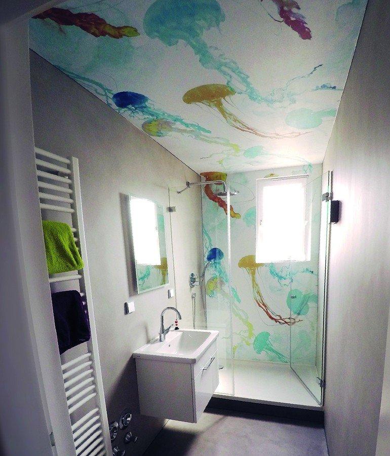 Quallen im Badezimmer - Malerblatt Online