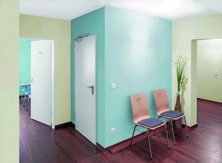 Fußboden In Arztpraxen ~ Grün und blau beim arzt malerblatt online