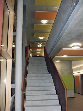 Raumgestaltung deckensegel punkten akustisch for Raumgestaltung innenarchitektur jobs
