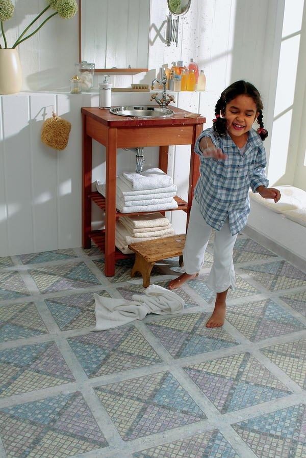 Was Wie Fliesen Aussieht, Ist Ein Laminatboden Mit Authentischer  Oberflächenstruktur. Dank Der Quellgeschützten Trägerplatte Kann Er Auch In  Küchen Und ...