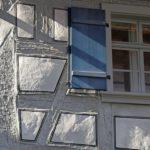 Leinoelfarbe fuer den Holzschutz_Fachwerk grau