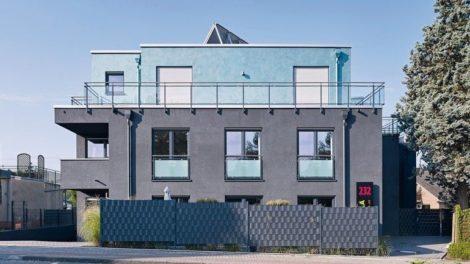 Metallic-Effekt für schwarze Fassaden
