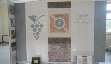 Manuel Kern. Vinothek – moderner Weinbau, moderne Oberflächen, moderne Präsentation. Foto: Michael Rehm