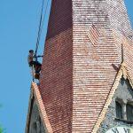 Renovierung_Kirchturm_Pfarrkirche_Jenbach_-_Lärchenholzschindeln_Holzschindeln_Astner,_Wiesing