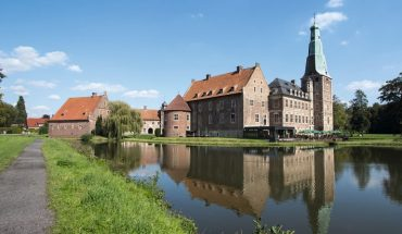 Schloss_Raesfeld.jpg