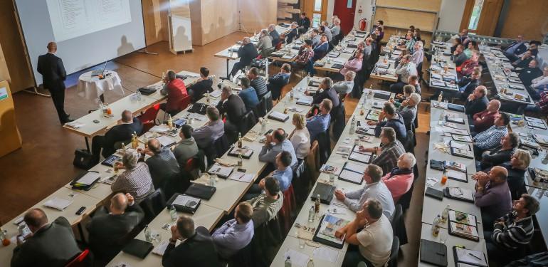 Das Forum Holzbaukompetenz war ein voller Erfolg. Hochkarätige Redner begeisterten die Teilnehmer und machten Lust auf mehr.
