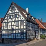 Leinoelfarben fuer den Holzschutz_Fachwerkhaus